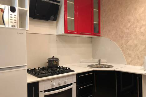 Сдается 2-комнатная квартира посуточно в Череповце, улица Мамлеева, 17.