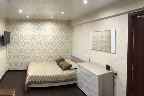 Сдается 2-комнатная квартира посуточно, улица Мамлеева, 17.