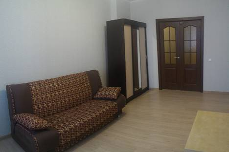 Сдается 3-комнатная квартира посуточно в Новосибирске, Стартовая улица, 1.