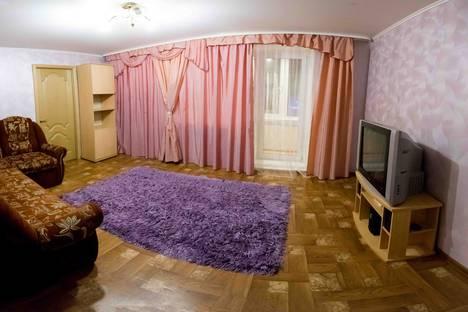 Сдается 3-комнатная квартира посуточно в Тюмени, улица Первомайская, 58.