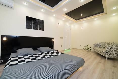 Сдается 1-комнатная квартира посуточно в Челябинске, Комсомольский проспект, 101.