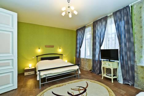 Сдается 4-комнатная квартира посуточно, Кирочная улица, 6.