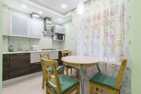 Сдается 2-комнатная квартира посуточнов Санкт-Петербурге, набережная канала Грибоедова, 14.