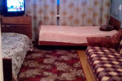 Сдается 2-комнатная квартира посуточно в Кировске, Мурманская обл,ул. Кирова 3.