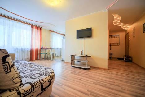 Сдается 2-комнатная квартира посуточно в Челябинске, улица Елькина, 59.