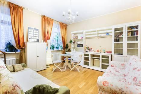 Сдается 2-комнатная квартира посуточнов Лобне, 2-й Самотечный переулок, 7.