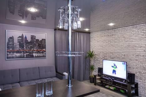 Сдается 1-комнатная квартира посуточно в Кировске, улица Мира, 16.