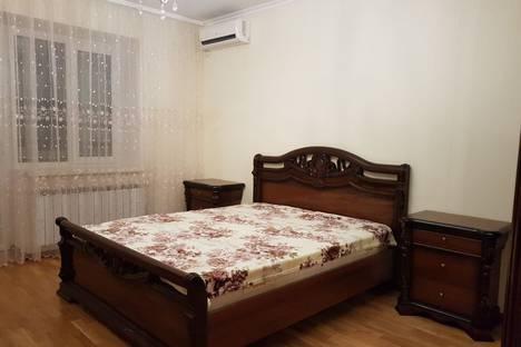 Сдается 4-комнатная квартира посуточно в Астрахани, Московская улица, 106.