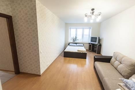 Сдается 3-комнатная квартира посуточно, улица Курчатова, 19.