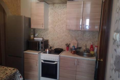 Сдается 2-комнатная квартира посуточно в Новокуйбышевске, улица Свердлова, 27.