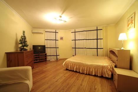 Сдается 2-комнатная квартира посуточнов Екатеринбурге, улица Челюскинцев, 29.