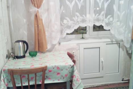 Сдается 1-комнатная квартира посуточно в Кировске, улица Мира, 18.