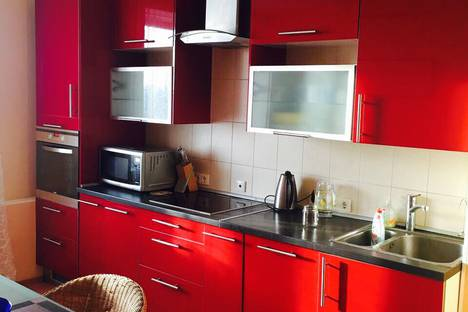 Сдается 3-комнатная квартира посуточнов Санкт-Петербурге, Коломяжский проспект.