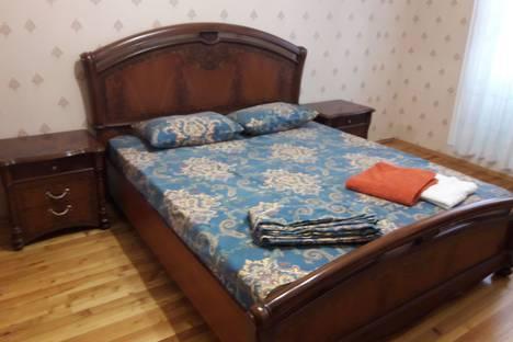 Сдается 2-комнатная квартира посуточно в Махачкале, улица Магомеда Гаджиева, 170.