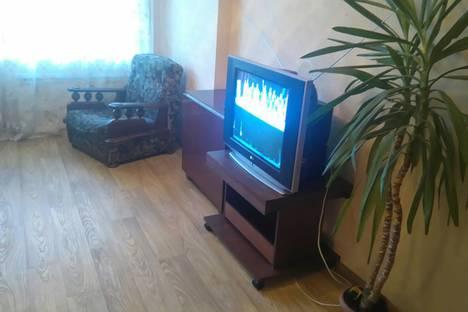 Сдается 2-комнатная квартира посуточно в Челябинске, улица Университетская Набережная 34.