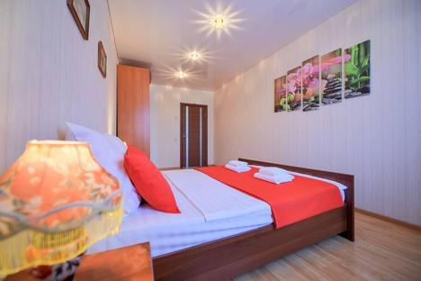Сдается 2-комнатная квартира посуточно в Челябинске, улица Братьев Кашириных, 72А.