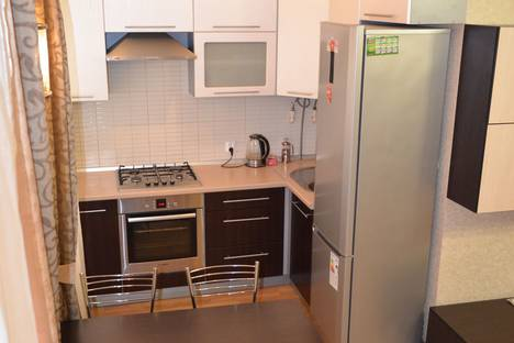 Сдается 2-комнатная квартира посуточно в Ижевске, улица В. Сивкова, 156.