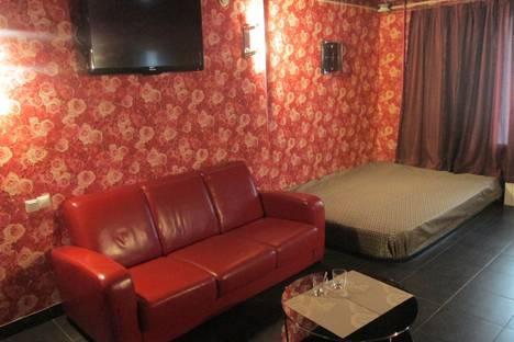 Сдается 2-комнатная квартира посуточнов Екатеринбурге, улица Вайнера, 14.