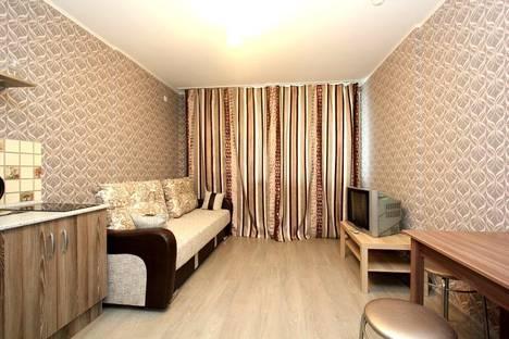 Сдается 1-комнатная квартира посуточнов Екатеринбурге, улица Рощинская, 21.
