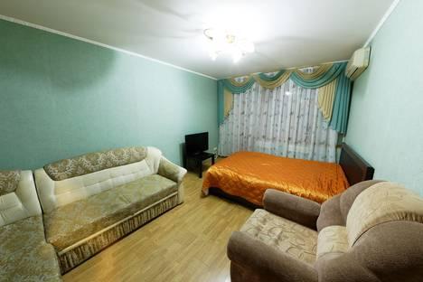 Сдается 1-комнатная квартира посуточно в Самаре, Молодогвардейская улица, 232.