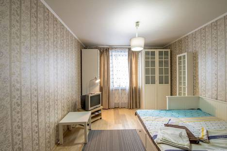 Сдается 1-комнатная квартира посуточно в Москве, улица Анохина Академика, 7.