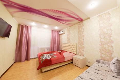 Сдается 3-комнатная квартира посуточно в Самаре, улица авроры 146г.