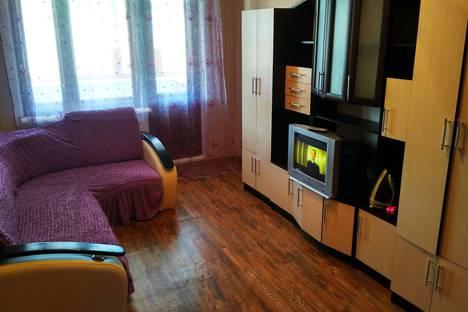 Сдается 2-комнатная квартира посуточно в Новотроицке, улица Советская, 125.