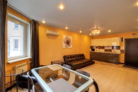 Сдается 2-комнатная квартира посуточно в Рязани, Есенина 65 к2.