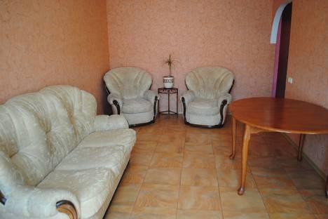 Сдается 2-комнатная квартира посуточно в Феодосии, ул Чкалова 96а.