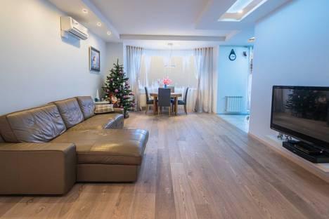 Сдается 3-комнатная квартира посуточно в Красной Поляне, Эсто-Садок, Березовая улица 88.