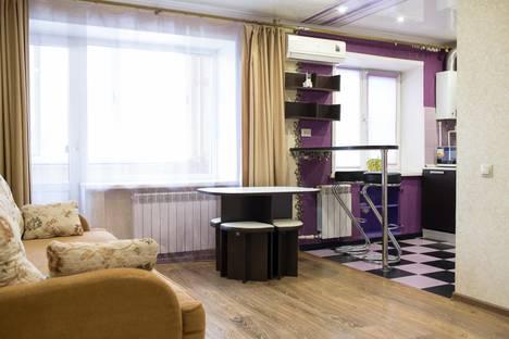 Сдается 2-комнатная квартира посуточно в Калуге, улица Кирова, 43.