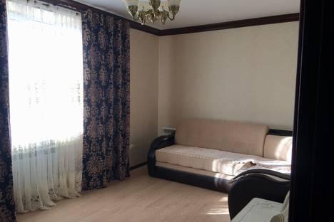 Сдается 2-комнатная квартира посуточно в Ессентуках, улица Орджоникидзе, 84/6.
