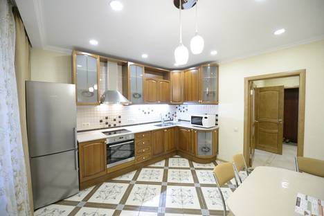 Сдается 1-комнатная квартира посуточно в Тюмени, улица Достоевского, 18.