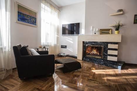 Сдается 3-комнатная квартира посуточнов Санкт-Петербурге, Малая Конюшенная улица, 12.