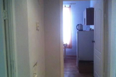 Сдается 2-комнатная квартира посуточнов Сарапуле, улица Комсомольская, 27.