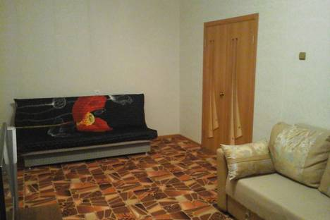 Сдается 3-комнатная квартира посуточно в Кировске, Олимпийская улица, 83.