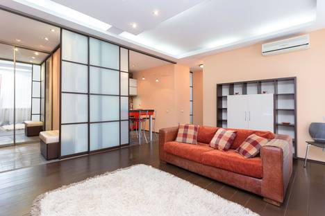 Сдается 2-комнатная квартира посуточно в Минске, улица Карла Маркса, 8.
