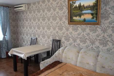 Сдается 2-комнатная квартира посуточнов Новом Свете, улица Голицына, 30.