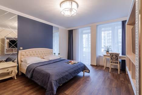 Сдается 1-комнатная квартира посуточно в Санкт-Петербурге, Дивенская 5.