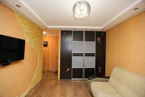 Сдается 1-комнатная квартира посуточно в Нефтеюганске, 13 микрорайон, 28 дом.