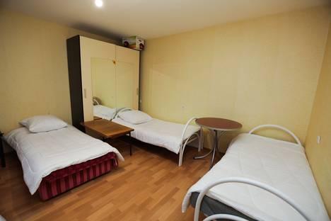 Сдается 1-комнатная квартира посуточно в Нефтеюганске, 15 микрорайон 11 дом.