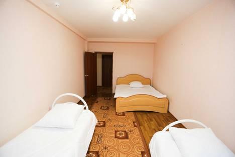 Сдается 2-комнатная квартира посуточно в Нефтеюганске, 15 микрорайон 22 дом.