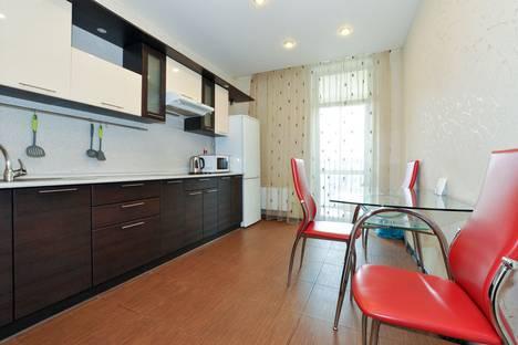 Сдается 1-комнатная квартира посуточнов Екатеринбурге, улица Бажова, 68.
