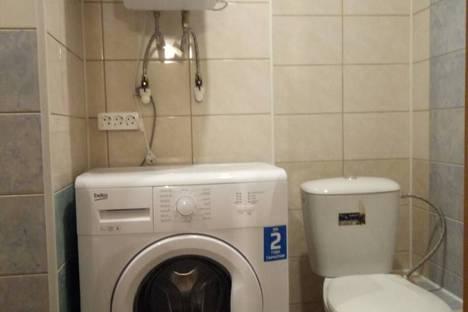 Сдается 2-комнатная квартира посуточно, улица Чапаева, 17.