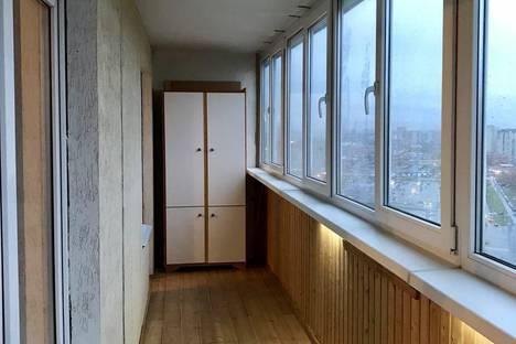 Сдается 1-комнатная квартира посуточнов Санкт-Петербурге, улица Маршала Казакова, 44/1.