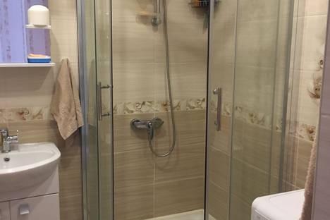 Сдается 2-комнатная квартира посуточно в Барнауле, Северный Власихинский проезд, 14.