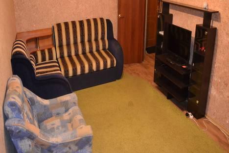 Сдается 1-комнатная квартира посуточно, улица Школьная, 3.