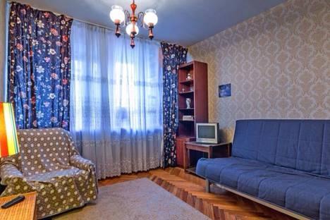 Сдается 1-комнатная квартира посуточнов Лобне, Ленинградский проспект, 33А.