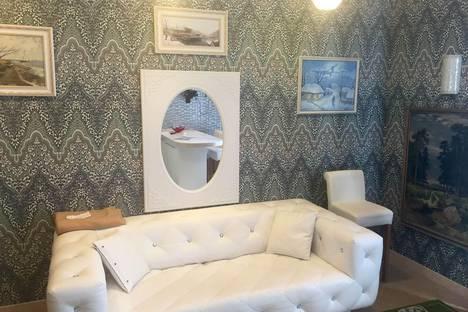Сдается 1-комнатная квартира посуточнов Екатеринбурге, улица Юмашева, 11.