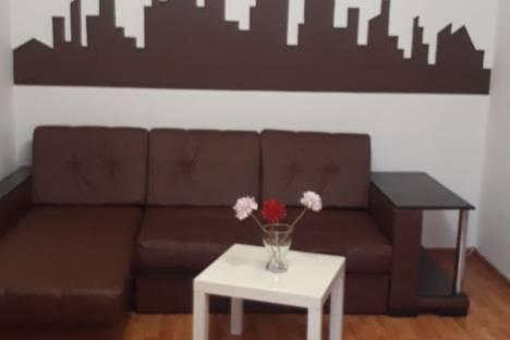 Сдается 2-комнатная квартира посуточнов Екатеринбурге, улица Бажова, 76.